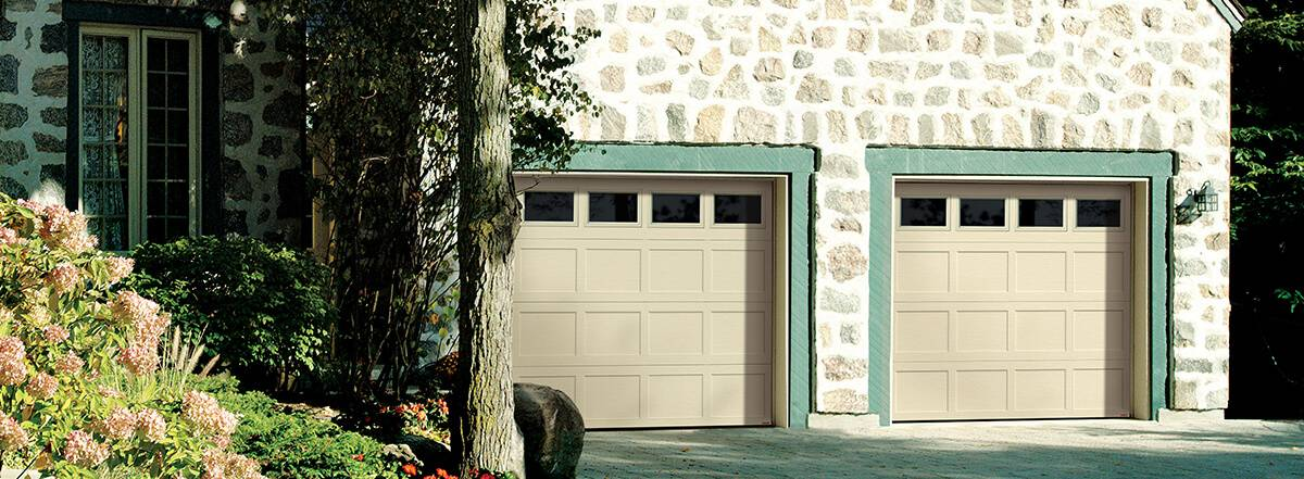 Shaker CC, 9' x 7', Desert Sand door, Clear windows